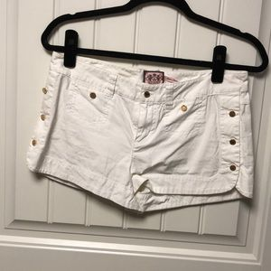 Juicy white shorts with gold buttons
